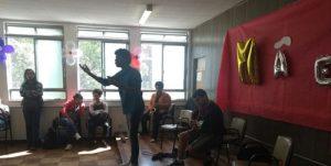 Alunos do curso de Música homenageiam mães do Programa de Atendimento ao Idoso